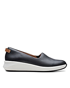 Clarks Un Rio Step D Fitting