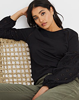 Broderie sleeve top