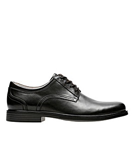 Clarks Unstructured Un Aldric Lace Wide Fitting Shoes