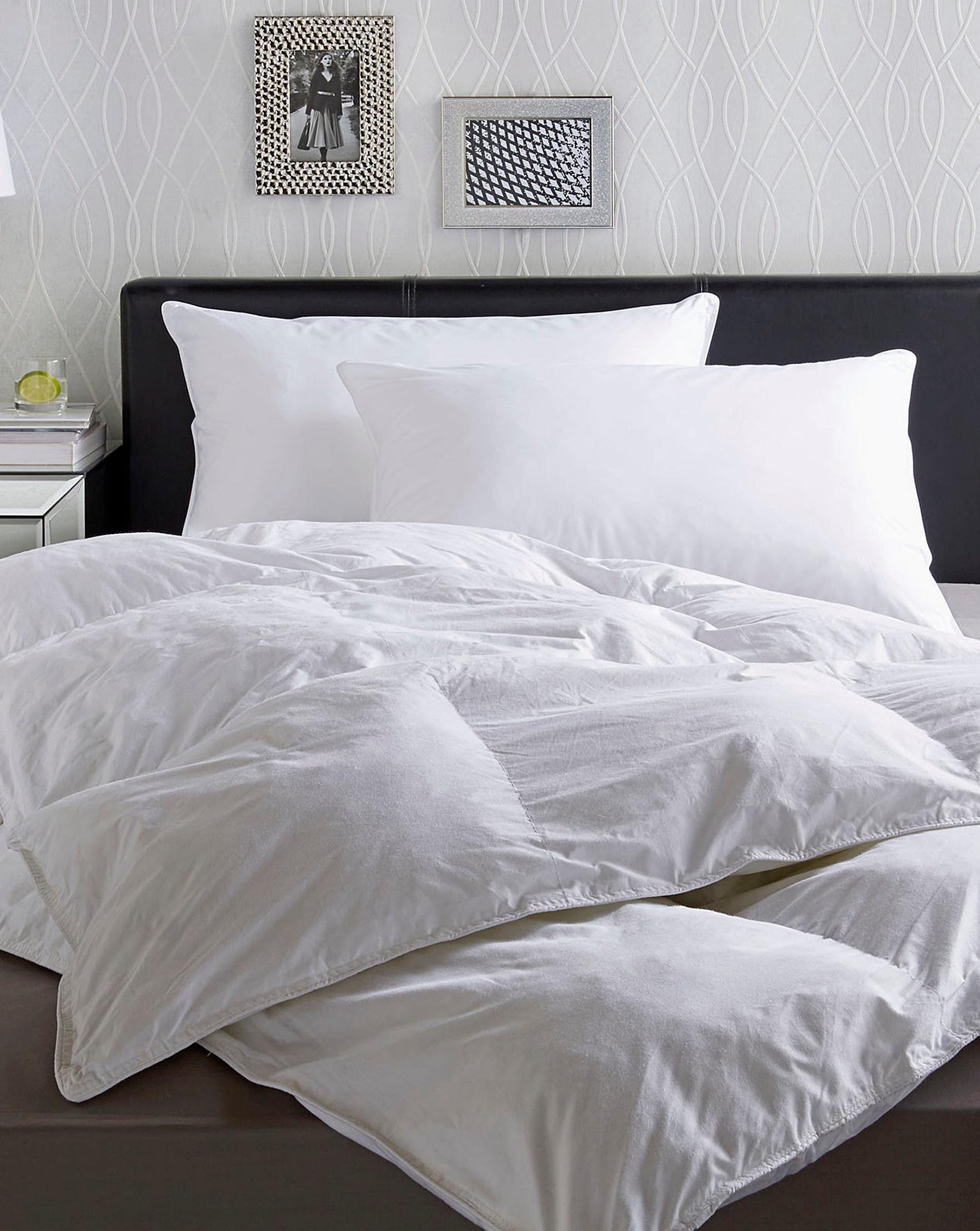 Hotel Quality Pillow  d16e5b0dbc