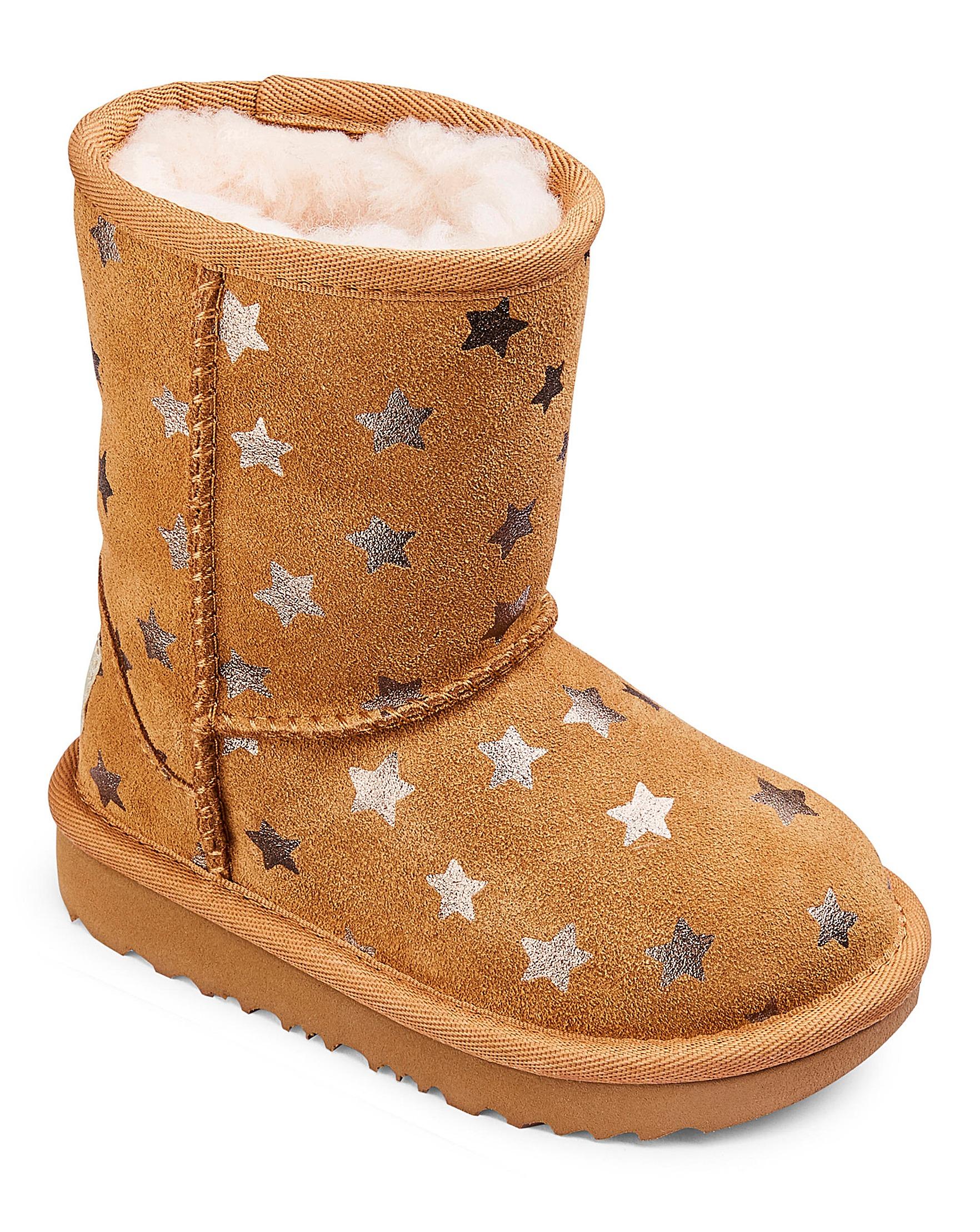 d0dd3f071a4 Ugg Classic Short II Stars Boot