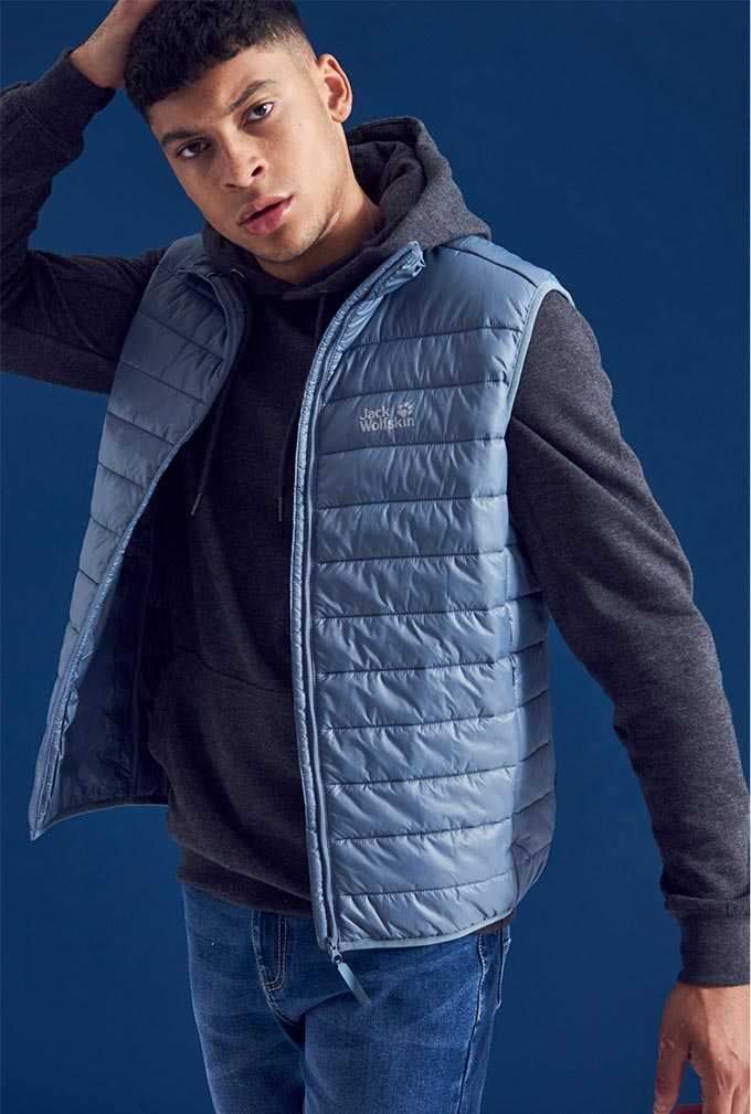 Model in Jack Wolfskin clothes