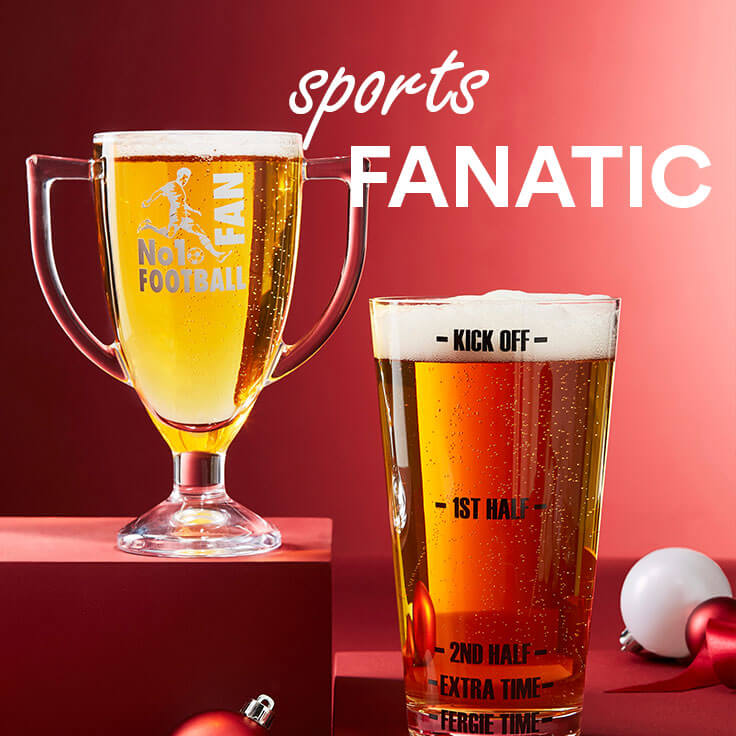 custom pint glasses on red background; text - sports fanatic