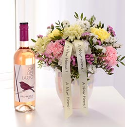 Rose wine and flower bouquet