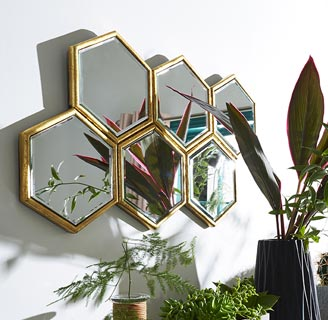Kew trend mirror