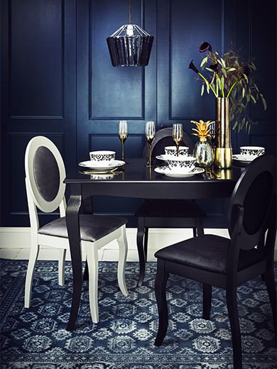 dark-wonder dining set