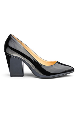 Black Court Heel